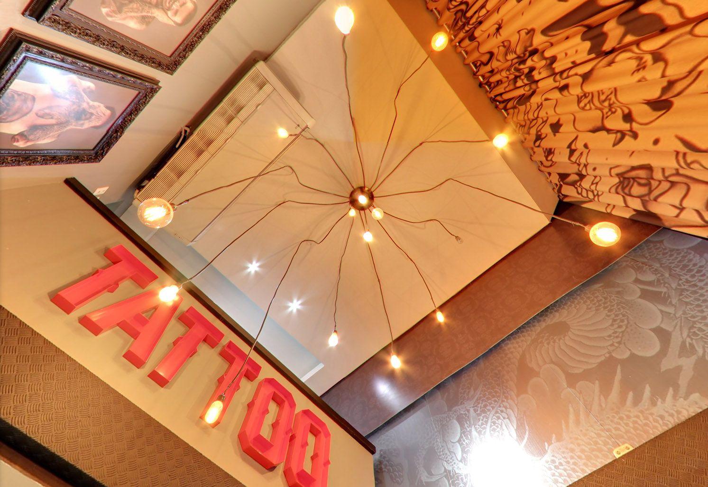 05-luminaria-decoracao-estudio-de-tatuagem-organica-design